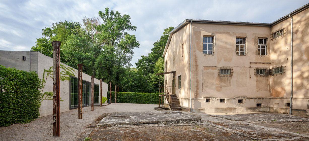 Besucherinformationszentrum und ehemaliges Gefängnisareal